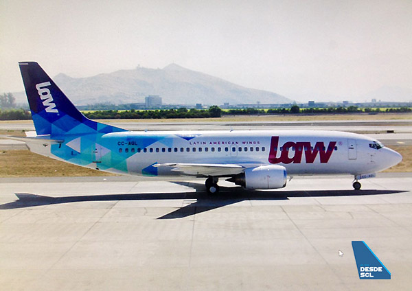 LAW B737-300 CC-AQL (A.Ruiz)