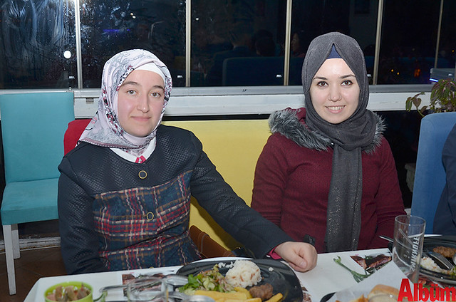 Melek Karacan, Ayşe Sadullahoğlu Yaradanakul