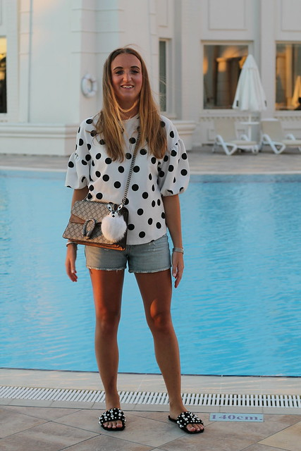 polka-dots-and-dionysus-bag-whole-outfit-front-wiebkembg