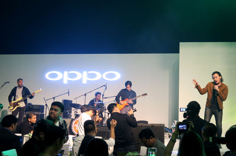 2 OPPO F5 Review - Selfie Expert - Capture The Real You - Gen-zel She Sings Beauty
