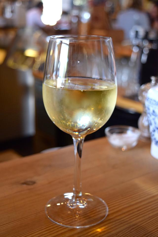 White Wine at Wild Goose, Canterbury #smallplates #wildgoose #thegoodsshed #canterbury   www.rachelphipps.com @rachelphipps