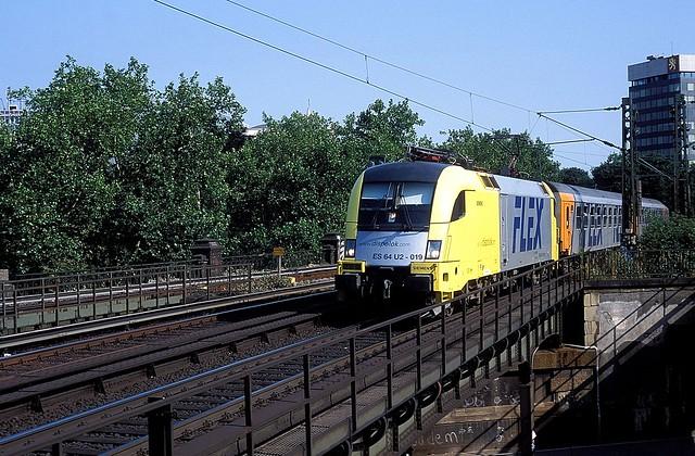 182 519  Hamburg - Dammtor  06.08.03