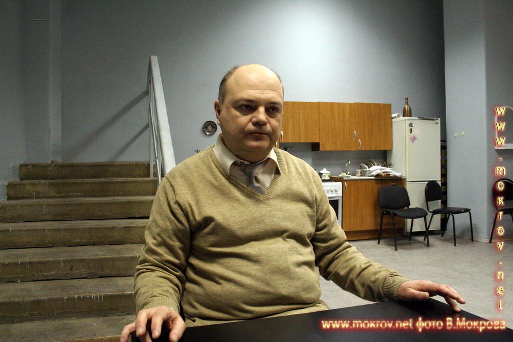 Юрий Грубник - Шаров, начальник станции скорой помощи. В телесериале «Страна 03».
