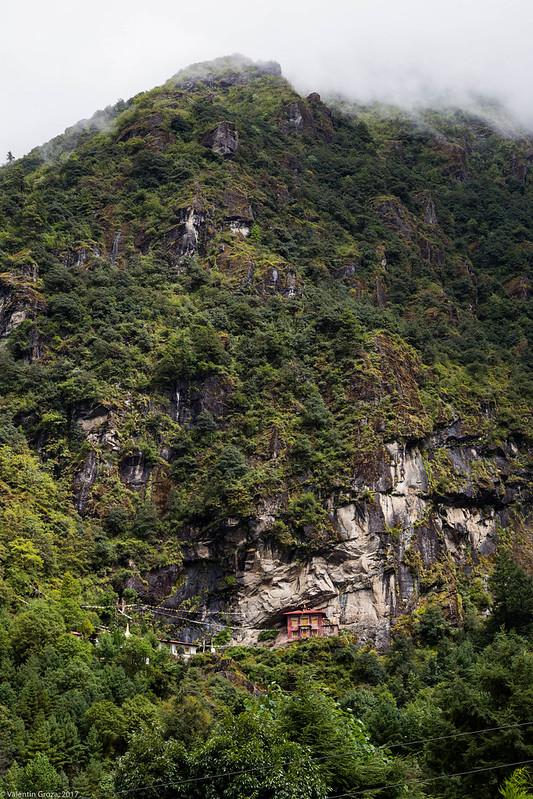 trail to Namche 01