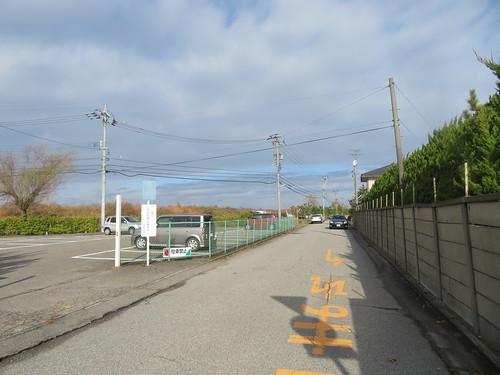 金沢競馬場の脇の道