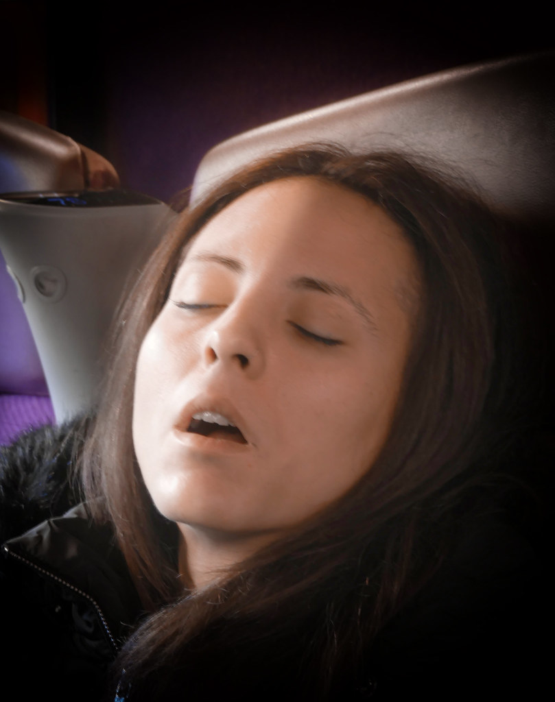 La belle au TGV dormant... 38339879116_8614fa6504_b