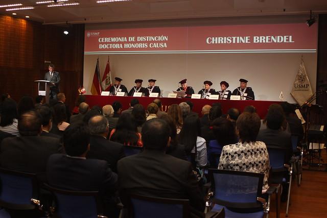 Universidad de San Martín de Porres incorporó como Doctora Honoris Causa a Christine Brendel, Directora Regional del Programa Combatir la Violencia contra la Mujer en Latinoamérica de la Cooperación Alemana GIZ