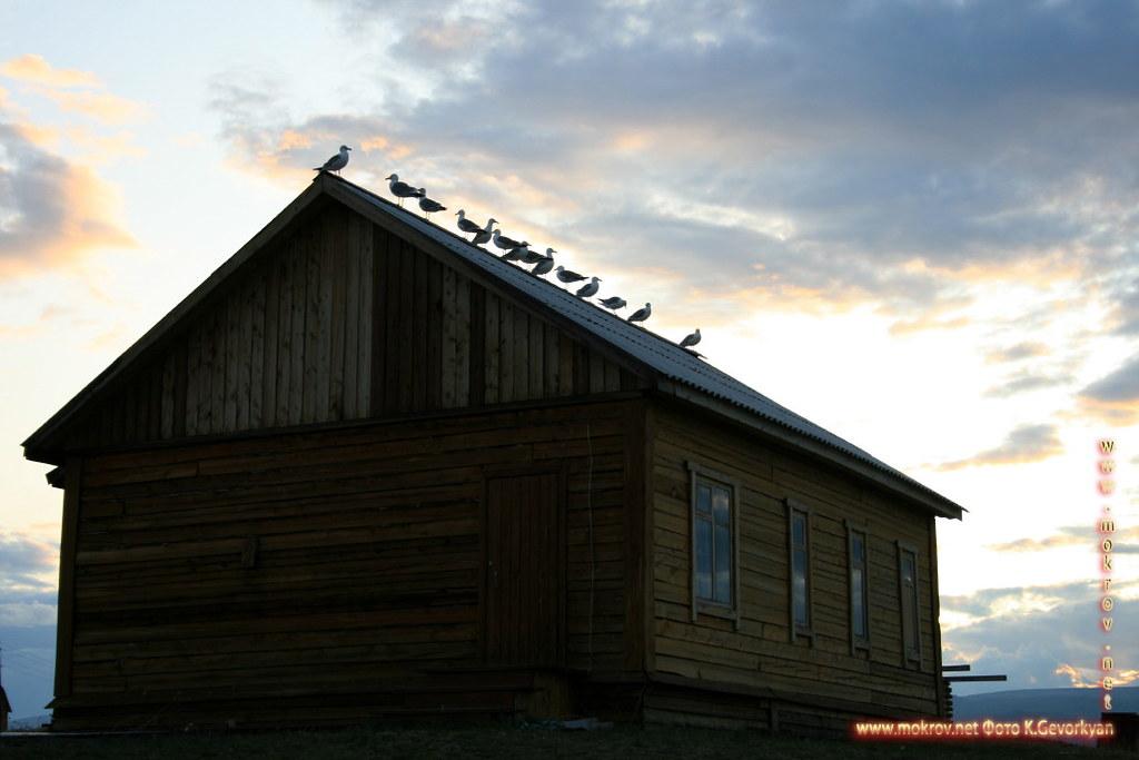 Малое море Озеро Байкал прогулки туристов с фотокамерой