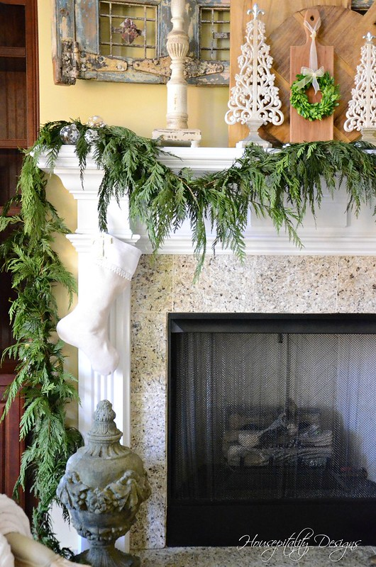 Chrismas Mantel-Housepitality Designs