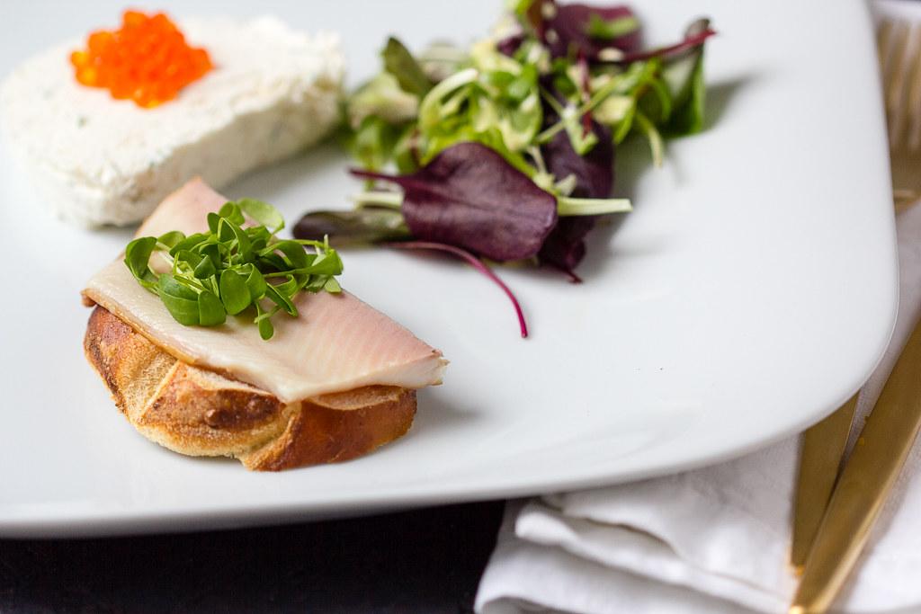Meerrettich Mousse mit Räucherforelle via lunchforone