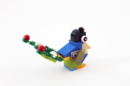 LEGO Seasonal Christmas Build Up (40253) - Day 2
