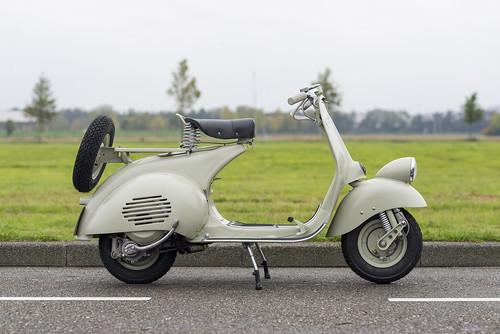 Piaggio Vespa 125 VM1T 'Faro Basso' 1952