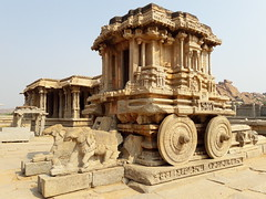 14 Dec. Hampi. Temple with wheels
