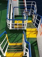 Le scale delle navi, sono delle bellissime metafore: strette, ripide, sdrucciolevoli, insicure col mare mosso, faticose...ma una volta in cima, il panorama è magnifico   #scale  #stairs #nave #ship #traghetto #ferry #FS #Sicilia