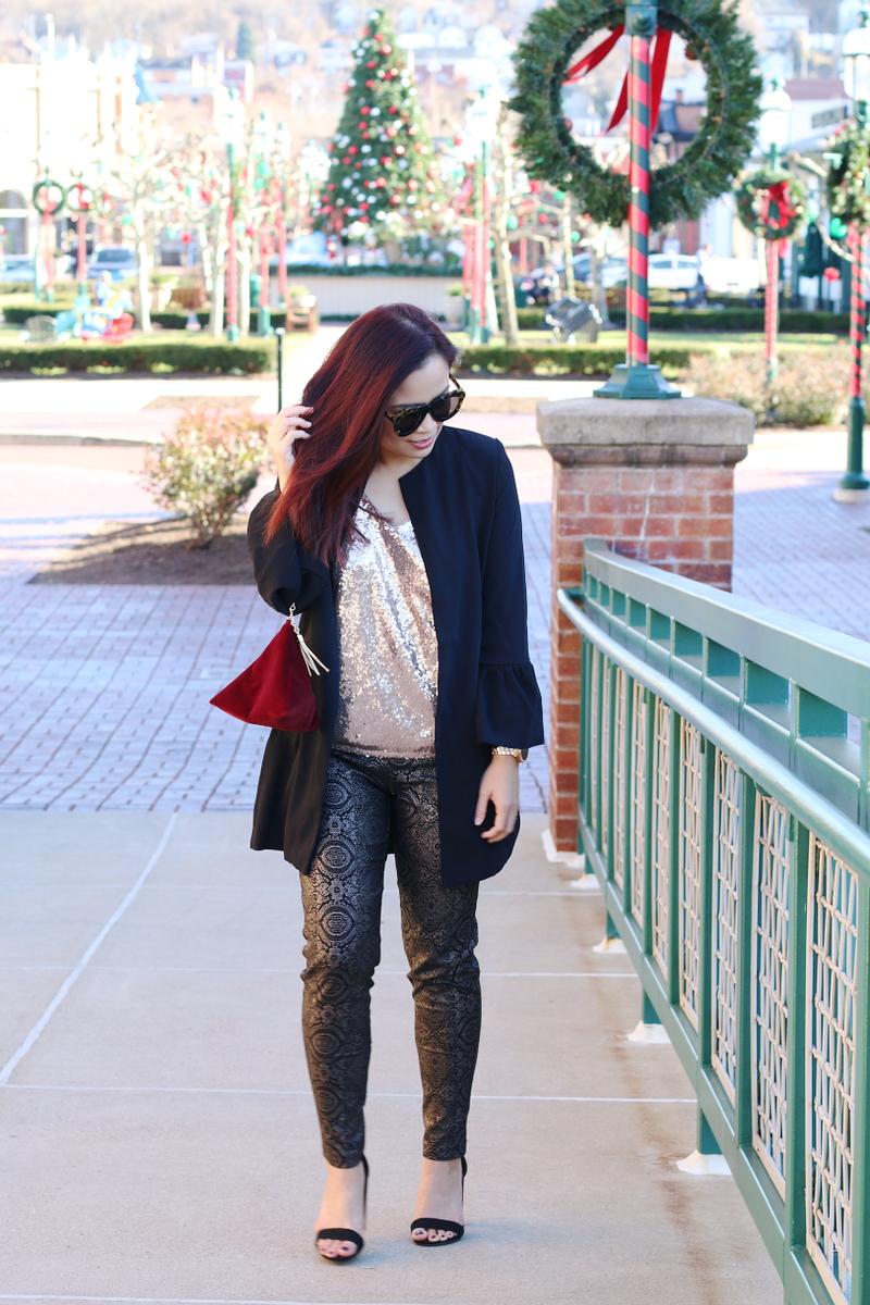 versona-holiday-outfit-velvet-bag-sequin-top-black-blazer-6