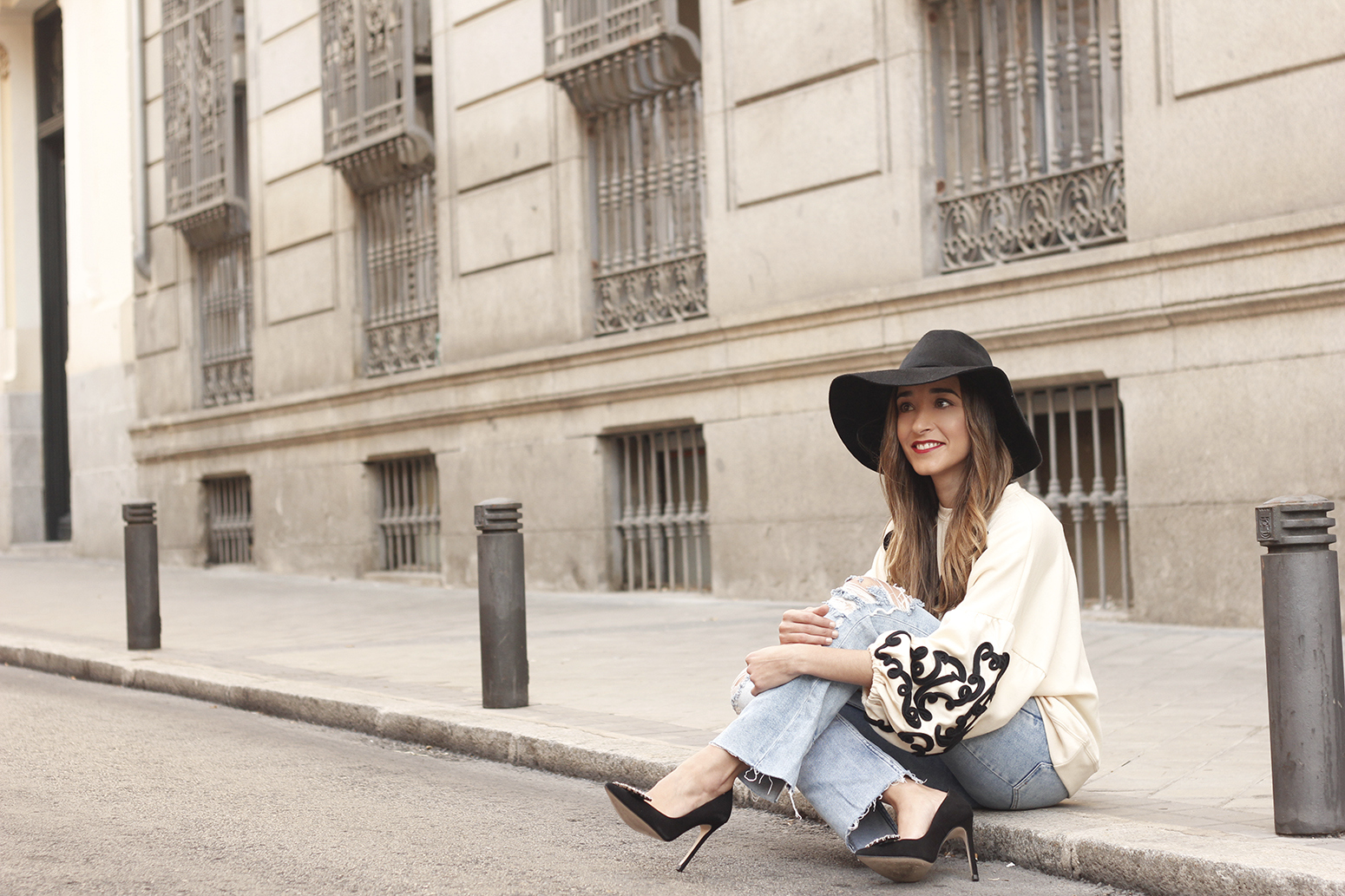 black and white sweatshirt ripped jeans black hat givenchy uterqüe jewel heels 11