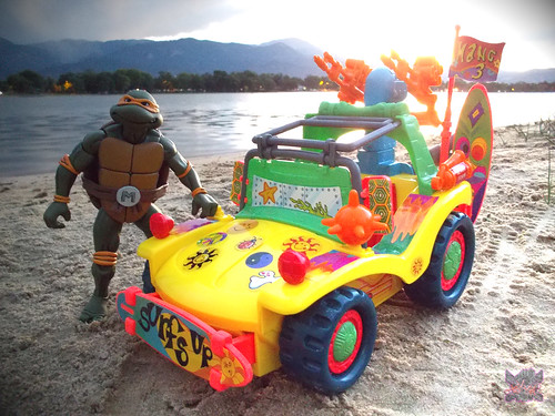 TEENAGE MUTANT NINJA TURTLES :: MIKE'S KOWABUNGA SURF BUGGY .. turns i (( 1991 ))