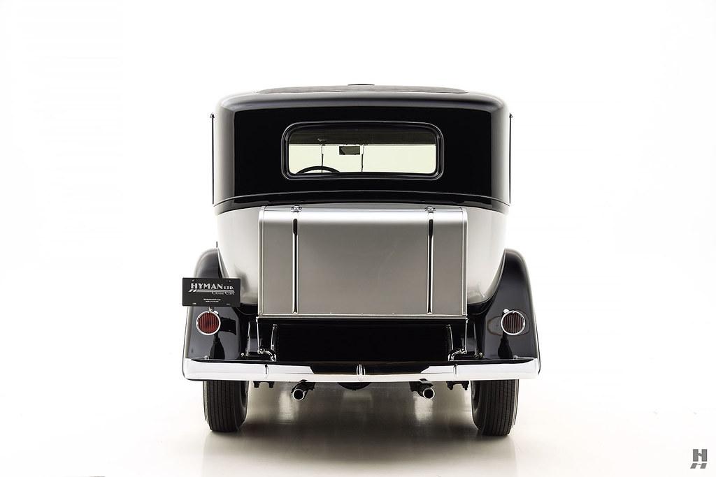 30006_Q Cadillac Series 452 Fleetwood 452CI V16 3SPD Limousine_Black Silver