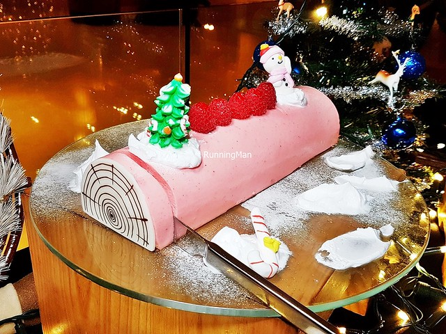 Pink Champagne Lychee With Petit Marshmallow Yule Log Cake