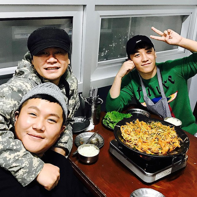 [Social Media] Seungri #승리 Instagram image Nov 13, 2017 3:17pm (KST) #YG워크샵 #챠오슐하오 #두루치기 #제주도푸른밤 너무 재밌었다 진짜. - 2017-11-13 (details see below)