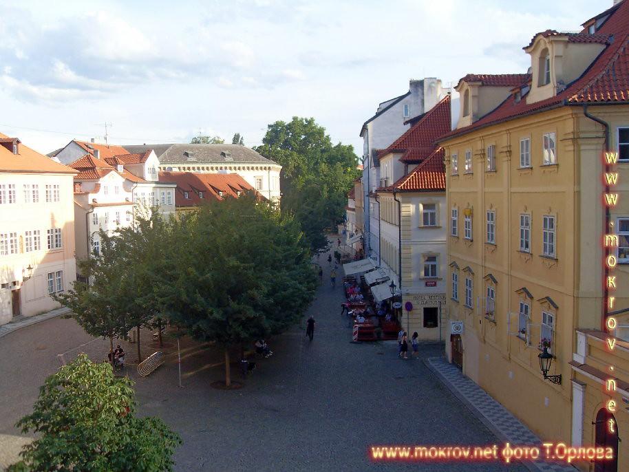 Прага — Чехия прогулки туристов с фотокамерой