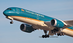 VN-A867 VIETNAM AIRLINES 787-9