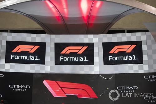 f1 logo 2017