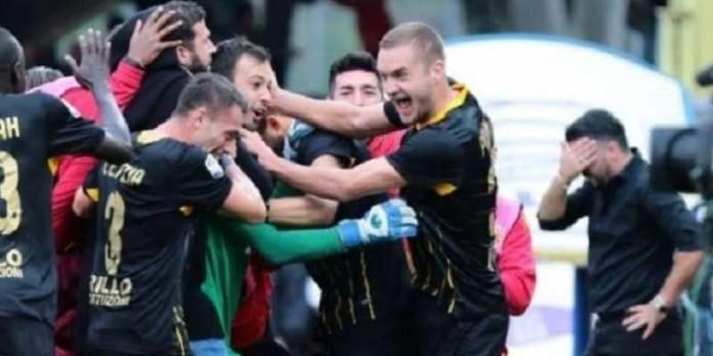 Aksi Sang Kiper Bawa Benevento Tahan Imbang AC Milan