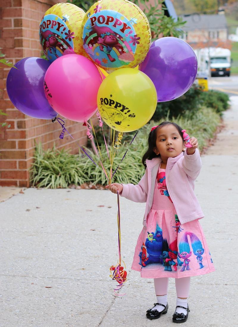 trolls-poppy-party-balloons-dress-1