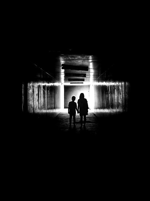 - limited-  #dark #hallway #limited #silhouette #blackandwhite #blackandwhitephotography #blackandwhitephoto #bnw #bnwphotography #bw #bwphotography #monochrome #monochromephotography #other #freestyle #iphone