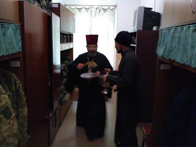 Візит духовенства Свято-Кирило-Мефодіївського патріаршого подвір'я до військової частини в селищі Радісне