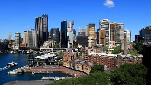 Sydney Skyline - lower center brown building is the Museum of Contemporary Art Australia