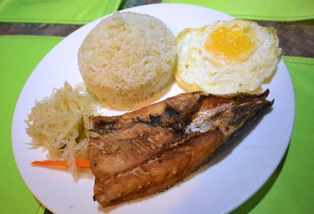 boracay budget meal guide kubo bangsilog