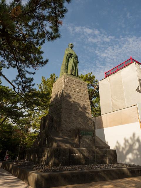 坂本竜馬間銅像