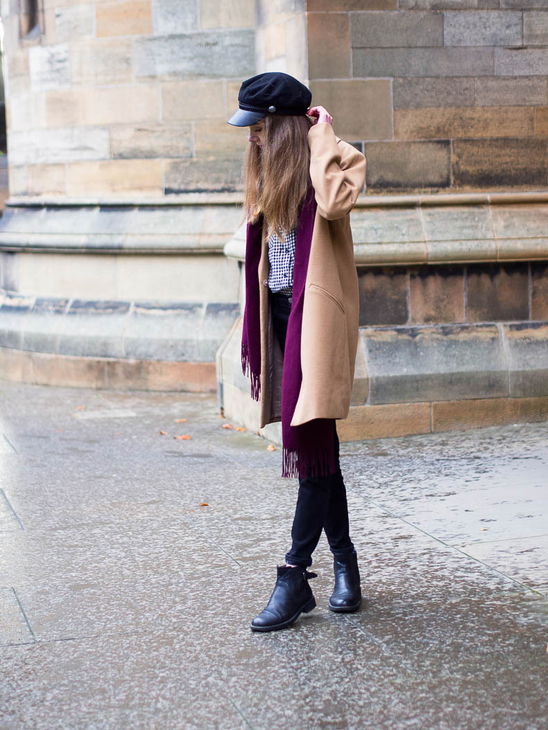 autumn-outfit-camel-coat-baker-boy-cap