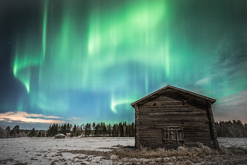 northern lights aurora sky stars barn old history field night long exposure snow cold winter dancing forest trees lasikangas ylipää raahe finland landscape clouds sony a7r tokina firin 20mm f20
