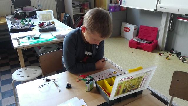 27 oktober - Proefjes met stroomkringen (4de leerjaar)