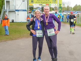 Marathon-Teilnehmer im Ziel Schmiedefeld