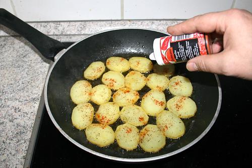 25 - Mit Salz, Pfeffer & Paprika würzen / Season with salt, pepper & paprika