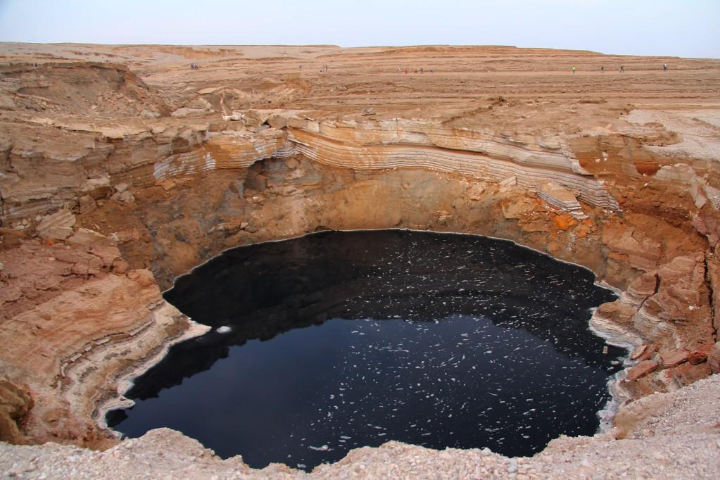 Мертвое море, часть вторая - розовые пляжи, голубые лагуны и черные провалы