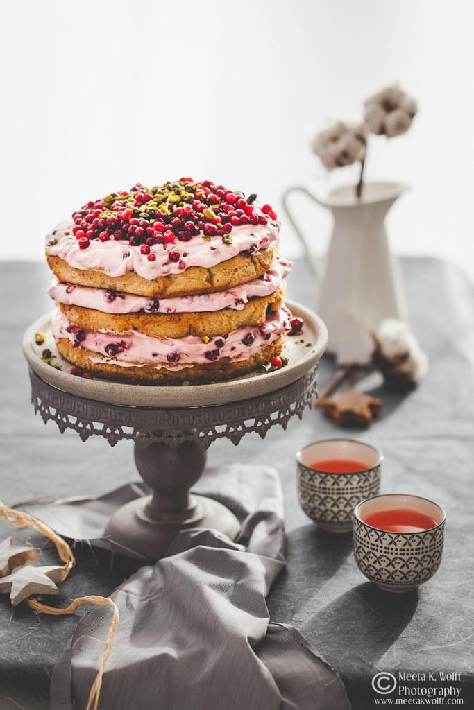 Lebkuchen-Lingonberry-Festive-Cake-by Meeta K. Wolff-0048