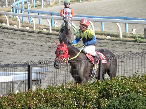 金沢競馬場のレース後の青柳正義騎手