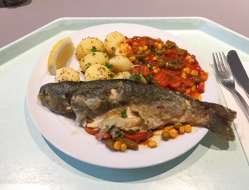 "Fried trout ""balcan style"" with rosemary potatoes / Gebratene Forelle ""Balkan Art"" mit Rosmarinkartoffel"