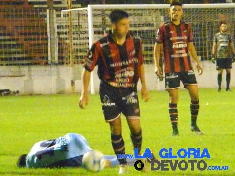 Douglas-Juventud. Liga local 16/11/2017