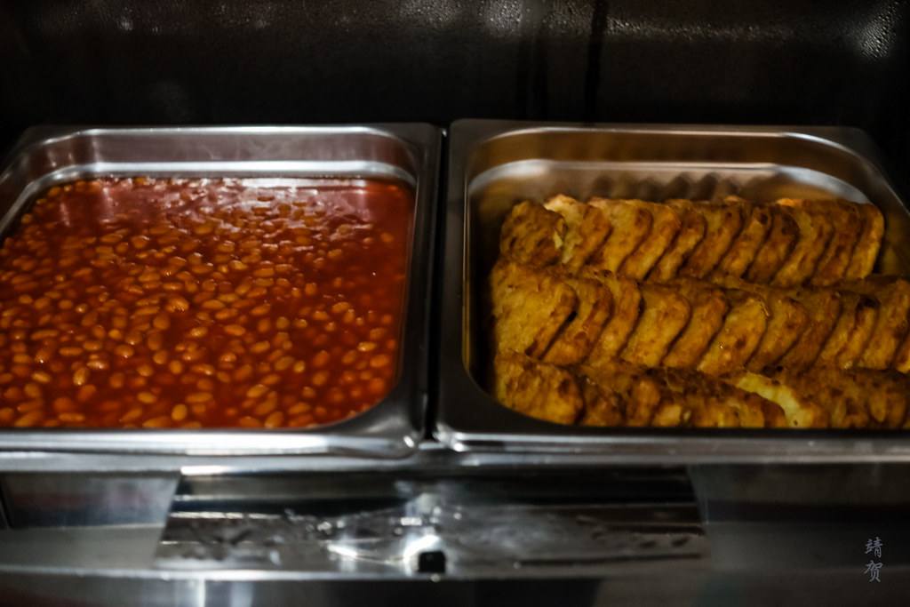 Hash browns and baked beans