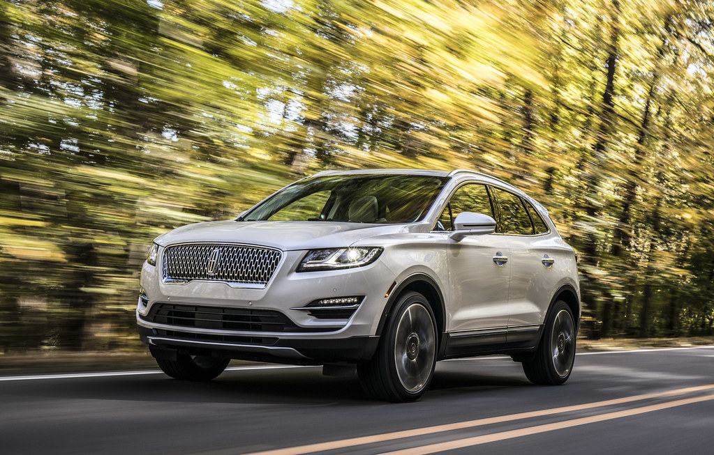 New Lincoln MKC: Small SUV amps up style, connectivity to stand out from the crowd