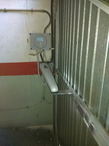 Operador puerta batiente Tonna