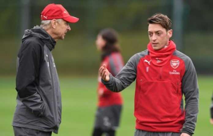 Arsene Wenger Klaim Mayoritas Orang Menyukai Mesut Ozil