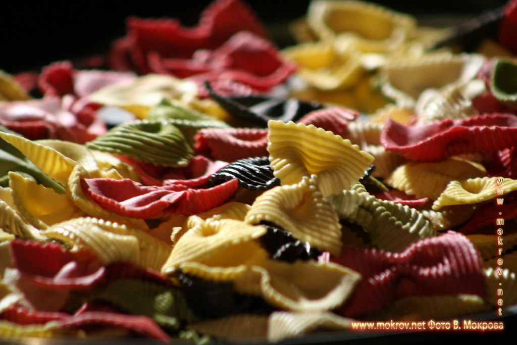 Цветные макароны.