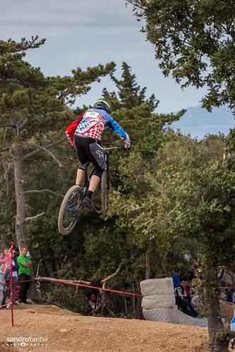 Downhill bike race